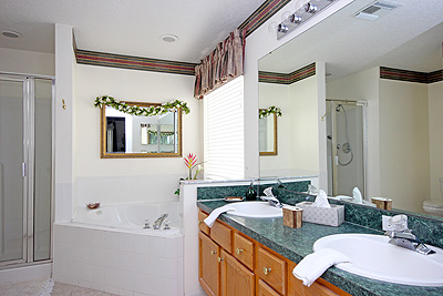 Master Bedroom 1 Ensuite Bathroom